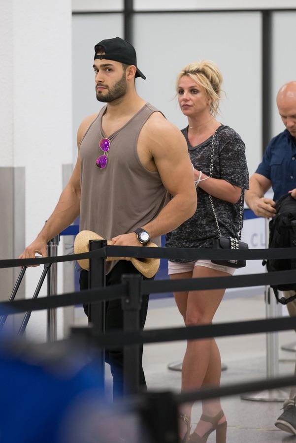 Сладкая парочка покидает Майами