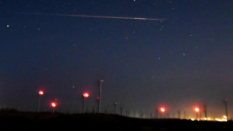 Задирая голову в вечернее (или утреннее) небо, потом не удивляйся. Фото: Гугл.