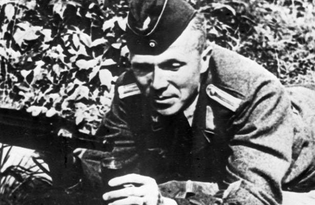 Николай Кузнецов образе немецкого летчика. В итоге решили его все же перевести в пехоту. Фото: Гугл.