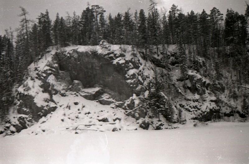 Снега - налево, снега - направо. Фото: Гугл.
