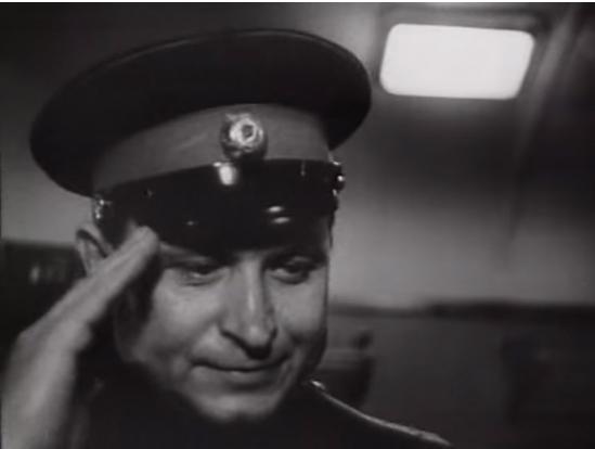 """""""Гражданин, пройдемте"""". Скриншот из телефильма """"Рождденная революцией""""."""