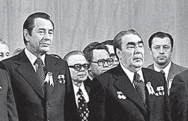 Петр Миронович Машеров и Леонид Ильич Брежнев (слева направо в центре). Бывший партизан и бывший фронтовик. Фото: Гугл.