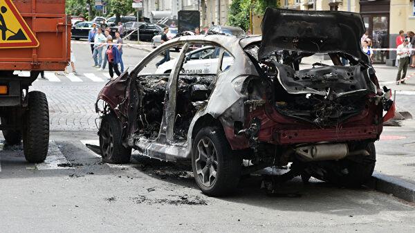 Автомобиль, которым управлял Павел Шеремет, после взрыва. Фото: Гугл.