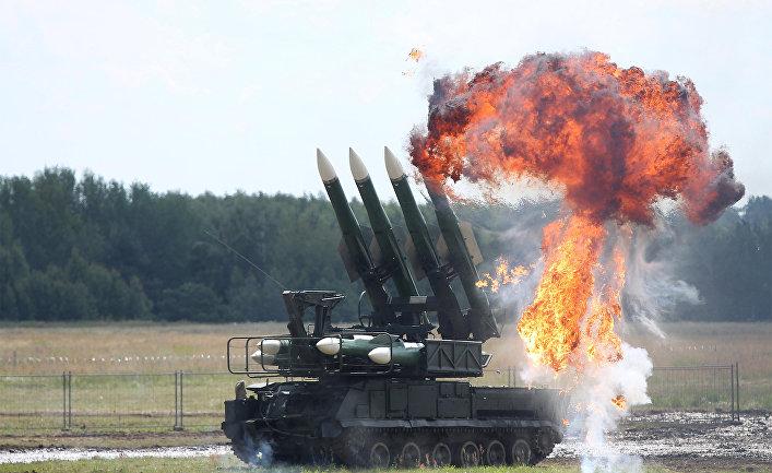 """""""Есть и танки, и ракеты - все, что в жизни нужно нам. У солдата, у солдата только нету... У солдата нету жалости к врагам"""". Помните такую советскую песню? Я - помню. Фото: Гугл."""
