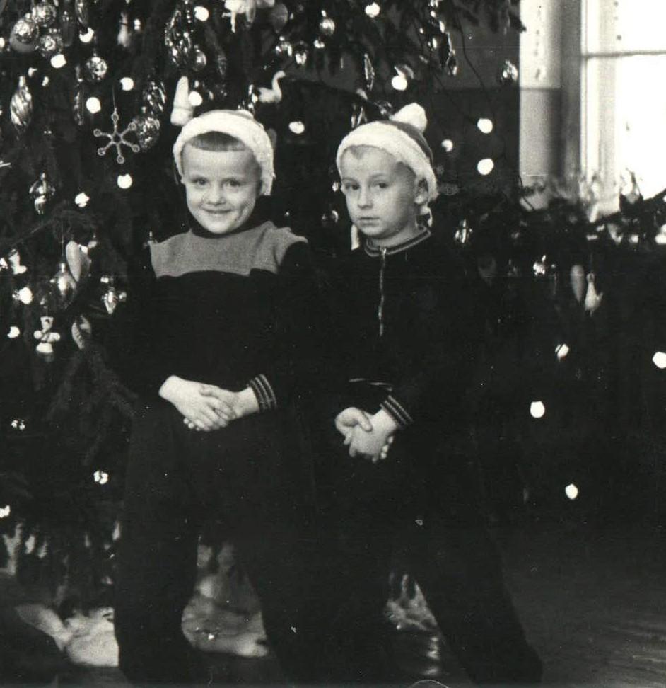 Сергей Коленченко (слева) и Александр Романов, детский сад в Гродно, 1954 год. Фото из личного архива Сергея Коленченко.