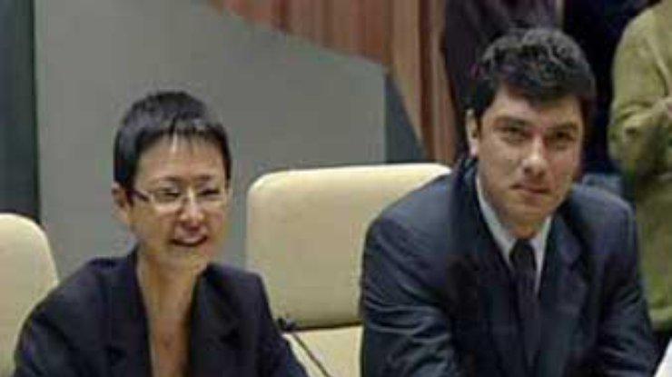 В 2002 году Хакамаду и Немцова так провидчески задержал белорусский КГБ. Фото: Гугл.