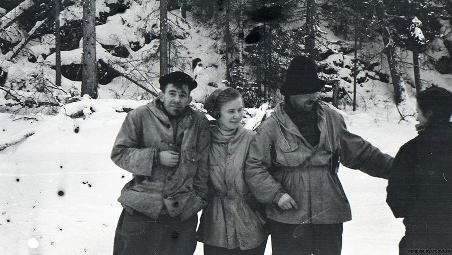 На снимке из последнего похода Семен Золотарев в знаменитой шляпе. Фото: Гугл.