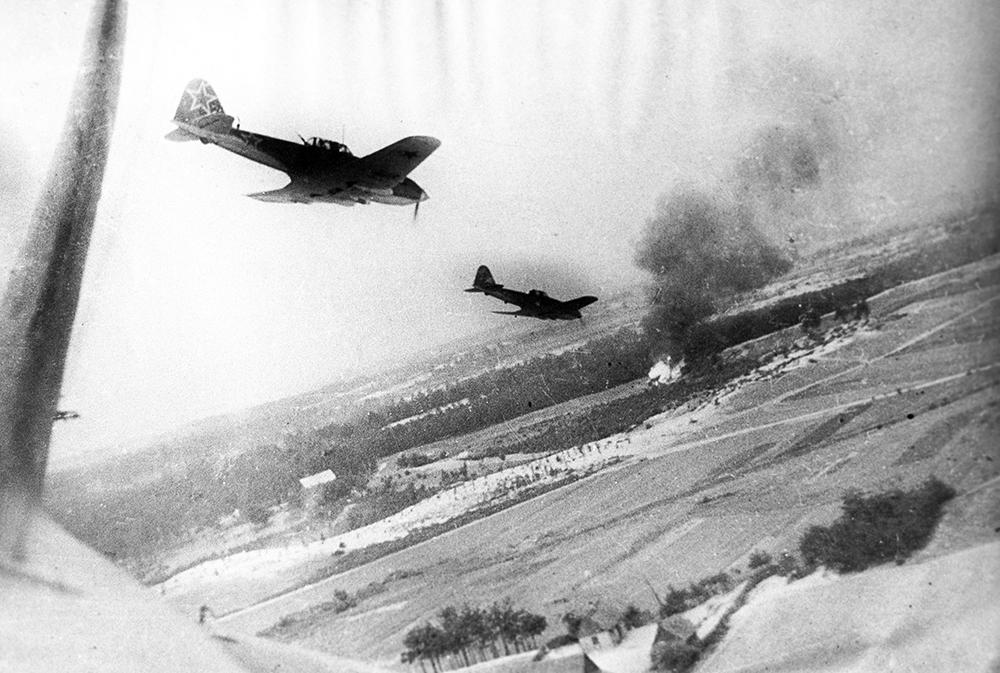 Самолеты, которые могли пронизать время. Фото: Гугл.