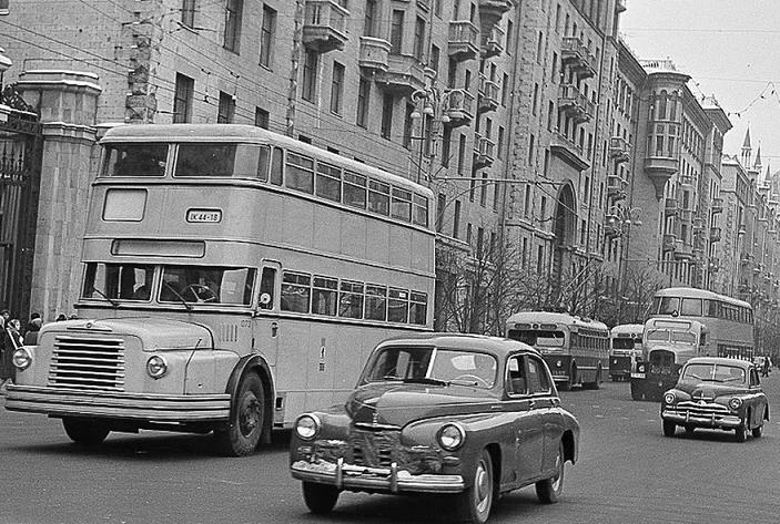 Москва, 1953 год, последние выезды двухэтажных красавцев. Фото: Гугл.
