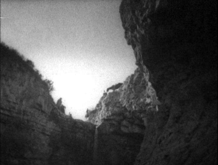 "Горы Алтая — кадр из фильма ""Золотая тропа""."