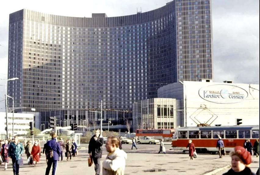 Не все гостиницы в СССР выглядели подобным образом. Фото: Гугл.