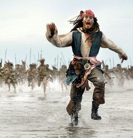 Джек Воробей убегает от индейцев