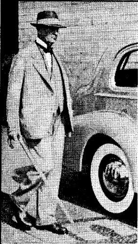 Рутерфорд с тростью_1 (Сувенирные сборник 1941 года)