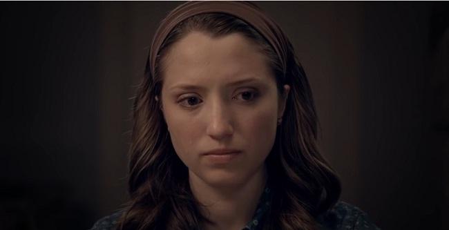 Лиз плачет при разговоре с СИ-родителями