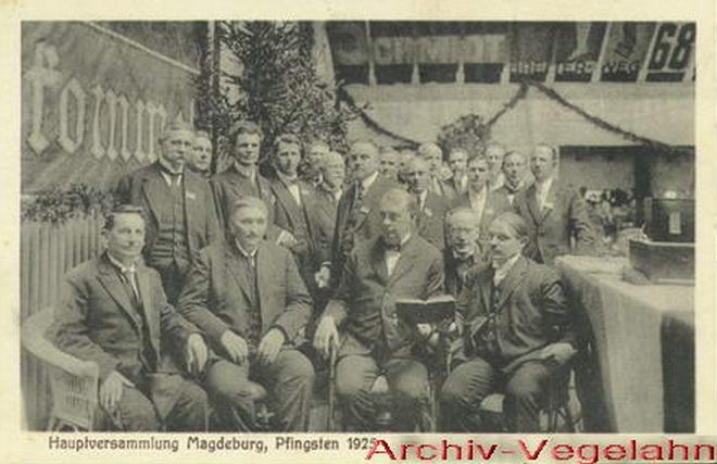 1_Фото с Рутерфордом_1925 Магдебург