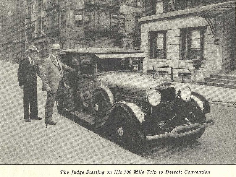 798px-1928-judge-rutherford-cadillac