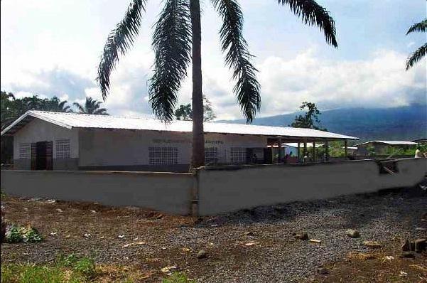 Зал Царства в Камеруне