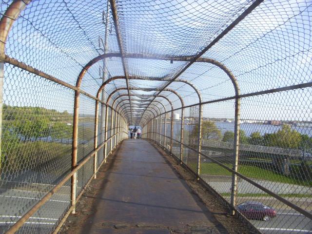 2005-05-13 pedestrian bridge