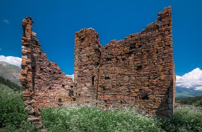 Разрушенная башня