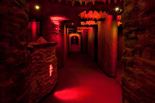 гостиница холл пещера