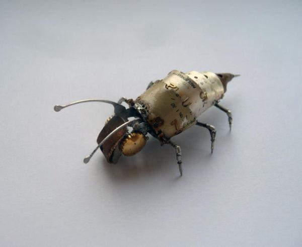Металлические насекомые