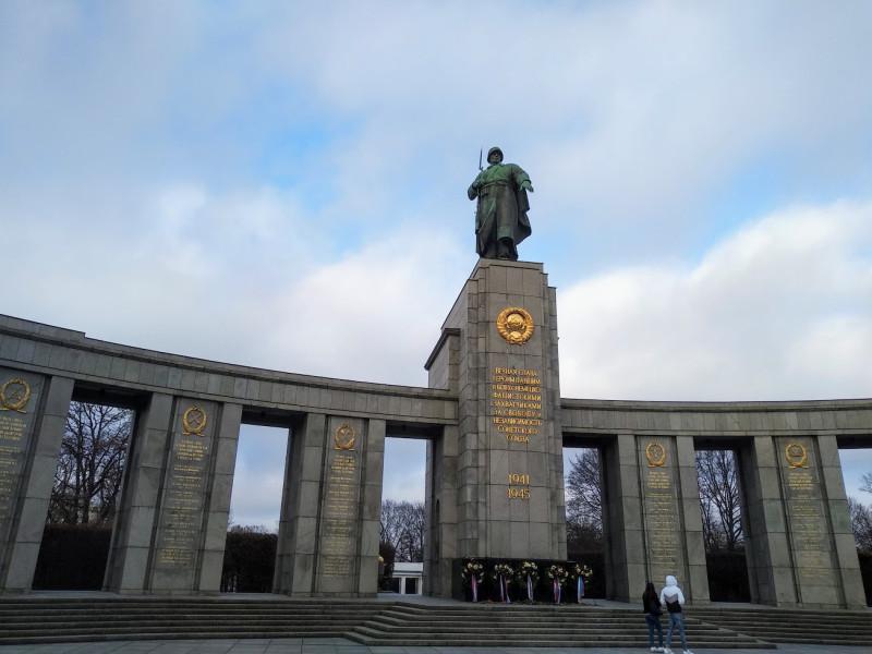 Мемориал советским воинам, павших при освобождении Берлина