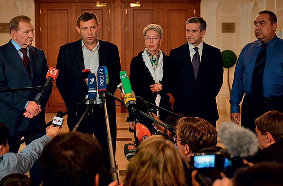 """""""Мы ни в каких случаях не будем отходить от минских договоренностей"""", - Тандит о предложении Савченко по прямым переговорам с главарями боевиков - Цензор.НЕТ 9789"""