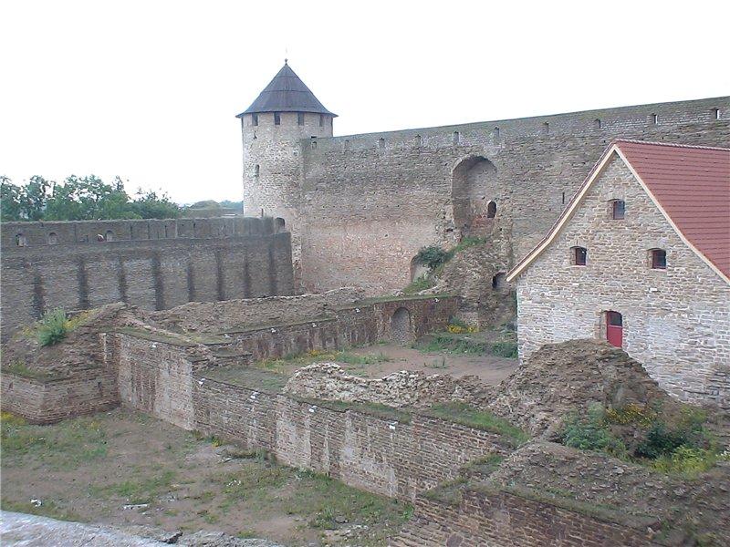 Остатки стен крепости 1492 г.