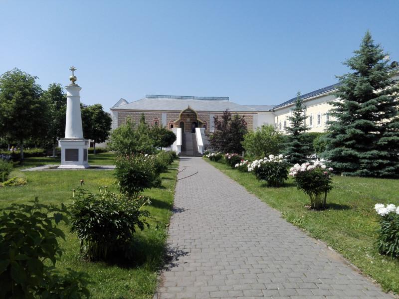 Палаты бояр Романовых. Сюда в 1613 году прибыла делегация из Москвы звать Михаила Романова на царство.