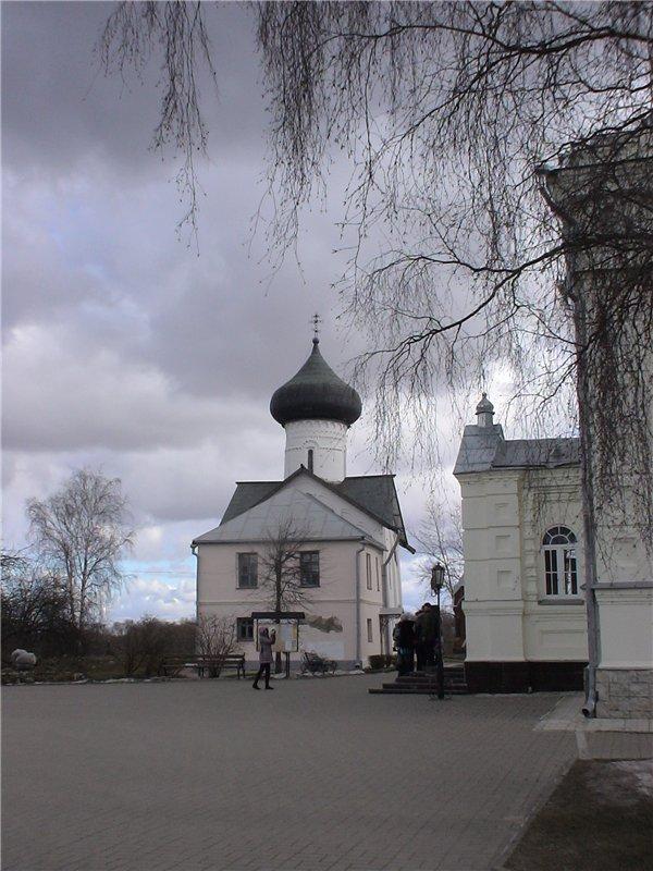 Зверин-Покровский монастырь.  Церковь св. Симеона Богоприимца. 1468 г.