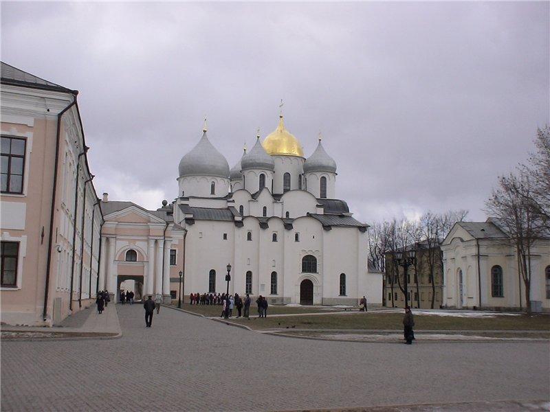 Софийский собор. 1045-50 г. Сердце города.