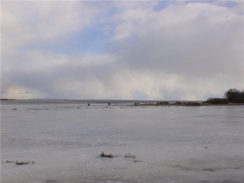 Озеро Ильмень и исток Волхова.