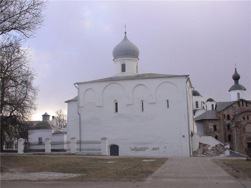 Церковь Успения Пресвятой Богородицы на Торгу. 1144 г.