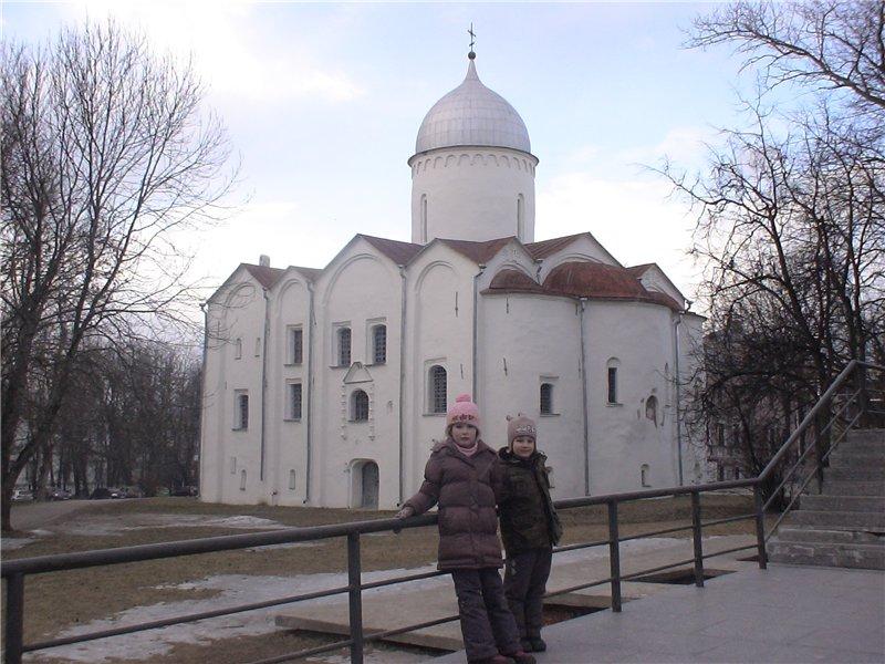 Церковь св. Иоанна Предтечи на Опоках. 1127 г. Перестроена в 1453 г.