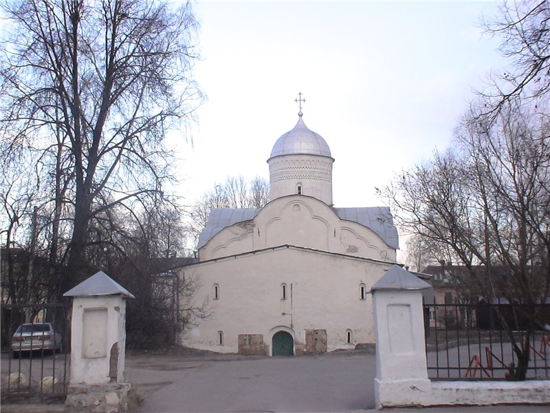Церковь св. Климента. 1153 г. Восстановлена в 1519 г.