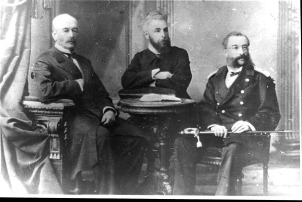 7. Лев Александрович Пушкин (слева).jpg