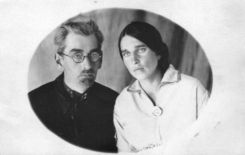 Вениамин Сергеевич Бахтин и Мария Львовна Пушкина. Май 1936 г. Колпашево.