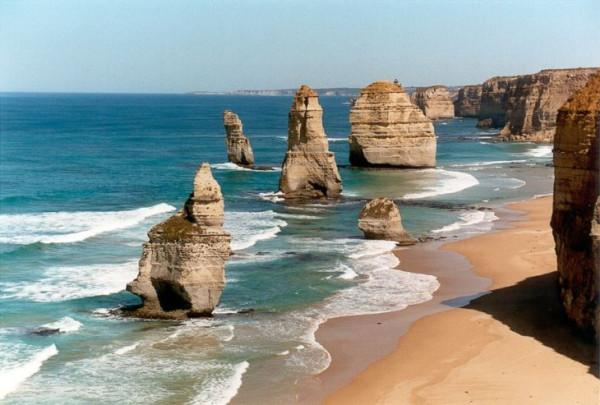 Twelve-apostles-in-Australia