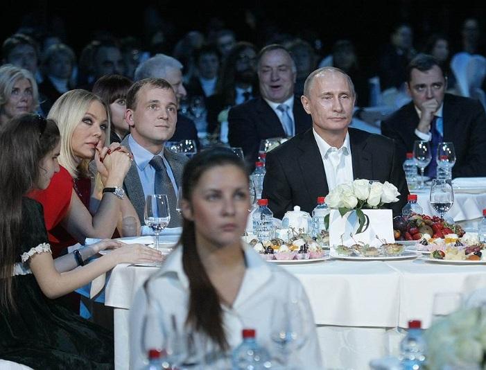 Ormella-Muti_Putin