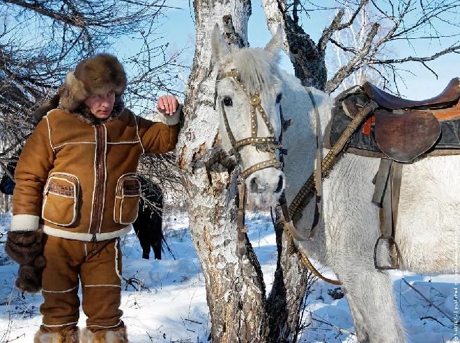 Putin_and-horse