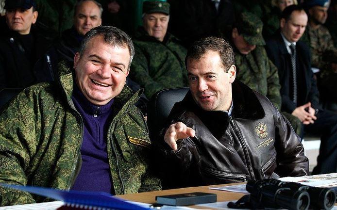 Medvedev_Serdyukov
