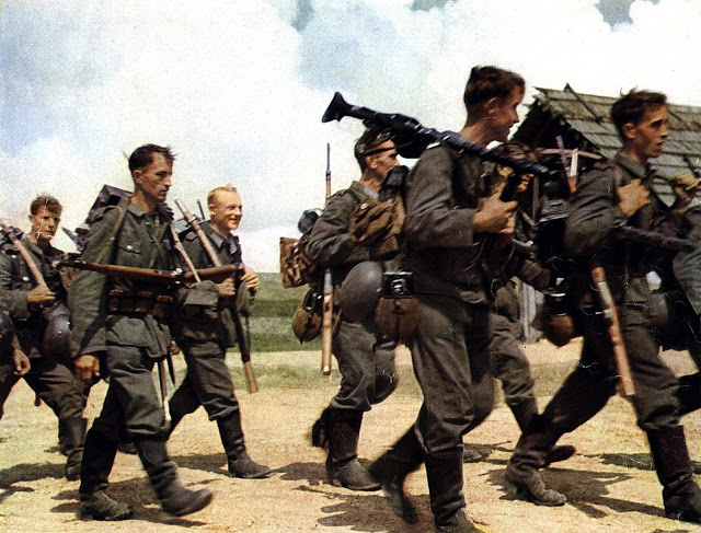 german_soldiers_marching