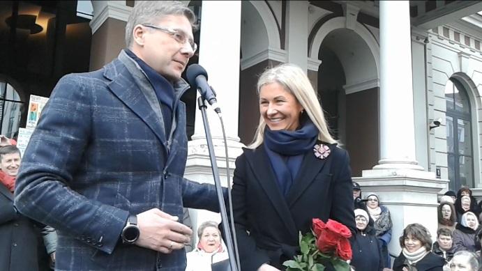 Ushakov-with-wife-ZZ