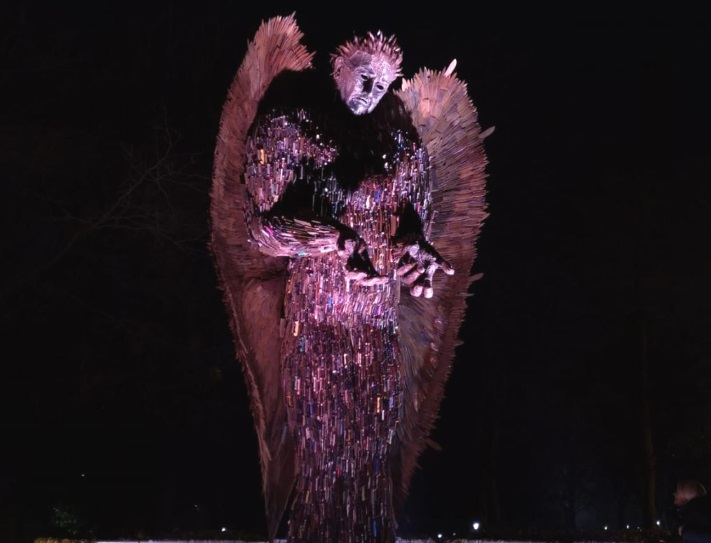 knife-angel1