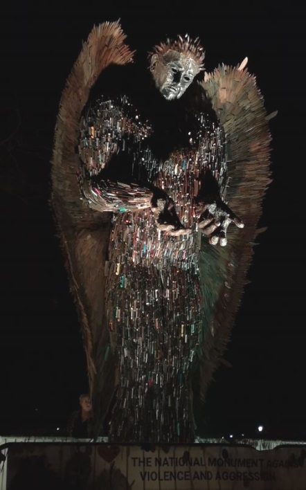 knife-angel3