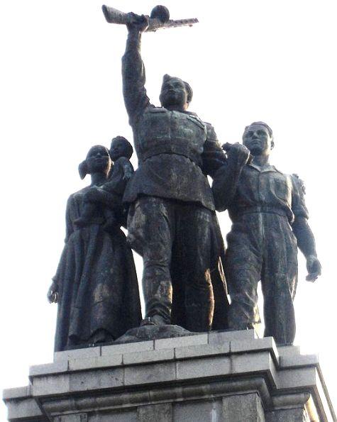 Monument_to_the_Soviet_Army,_Sofia