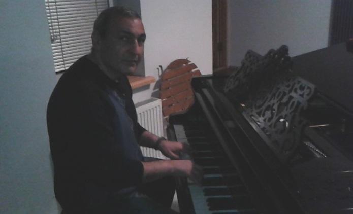 Karen_piano