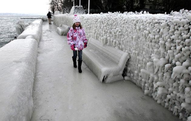 Окрестности Женевы, замороженные улицы, 5 февраля 2012