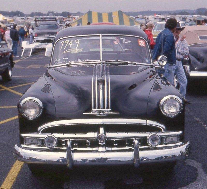 1949 Pontiac Chieftain Deluxe 2 door sedan (8 cyl.)