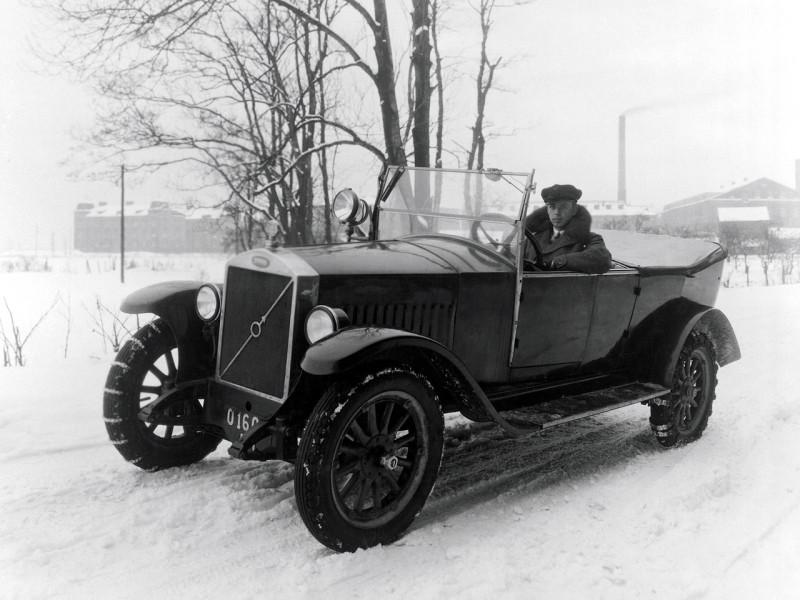 "1927 Volvo OV4 испытание снегом на ""цепях"""
